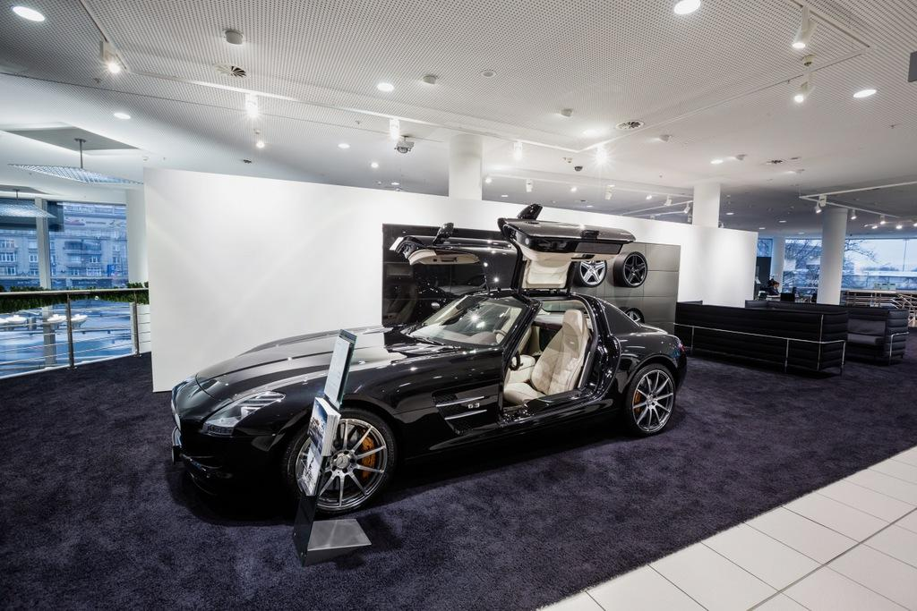 Retail Lighting For Mercedes Benz Amg Showroom